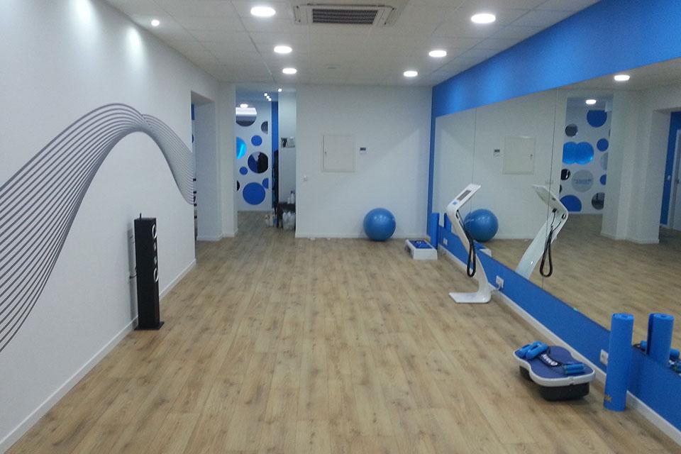 Reforma y decoraci n de local gimnasio fast fitness en elda - Decoracion de gimnasios ...